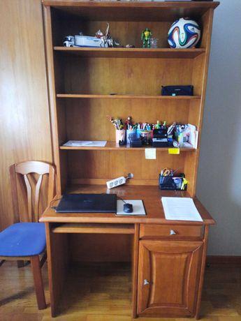 Secretária com estante