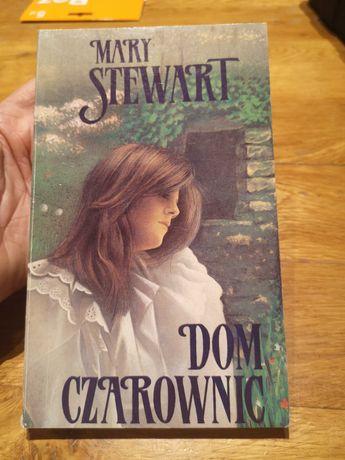 """Mary Stewart """"Dom czarownic"""""""