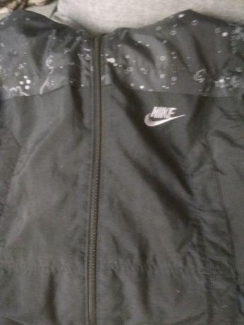 Kurtka Nike jak nowa