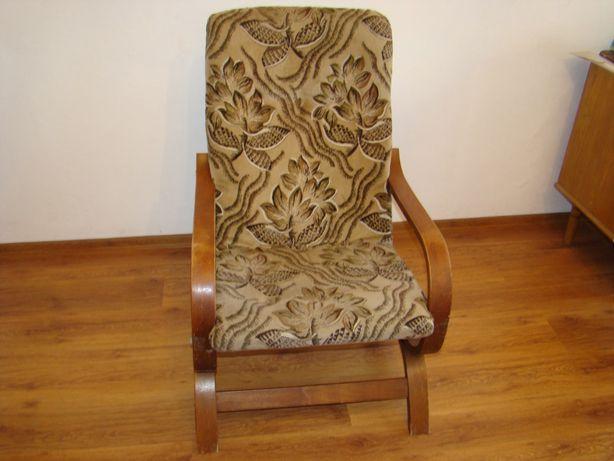 Solidny FOTEL z drewna, ładna tapicerka - Śląsk