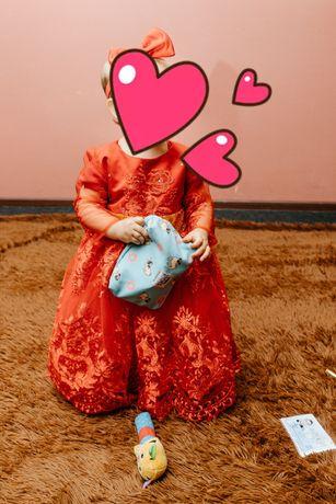 Платье на 1 год красного цвета