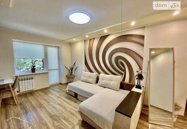 Оренда 3-кімнатної квартири в центрі міста, ІХ