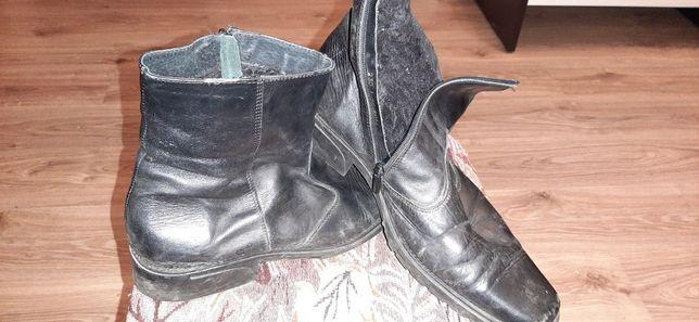 Чоловічі зимові черевики.