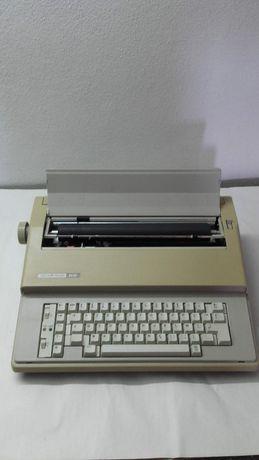 Máquina de escrever electrónica SILVER REED EZ 20