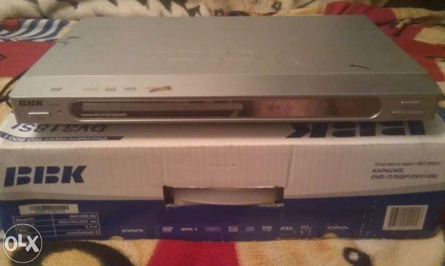 DVD проигрыватель ВВК с функцией караоке.