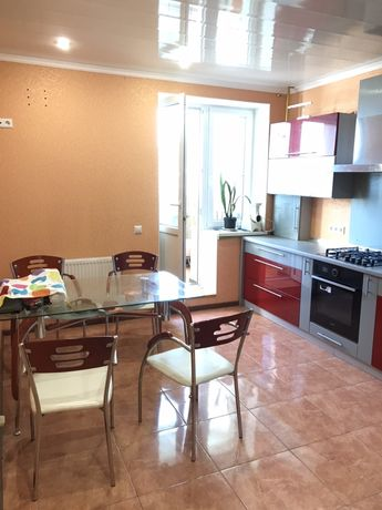 Видовая квартира в новом доме на Мытнице(ЖК Жужомы)