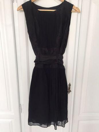 Sukienka rozkloszowana Asos czarna taliowana wesele studniówka
