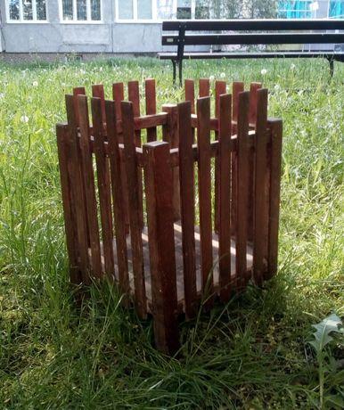 Stojak na donicę drewniany - osłona balkonowa