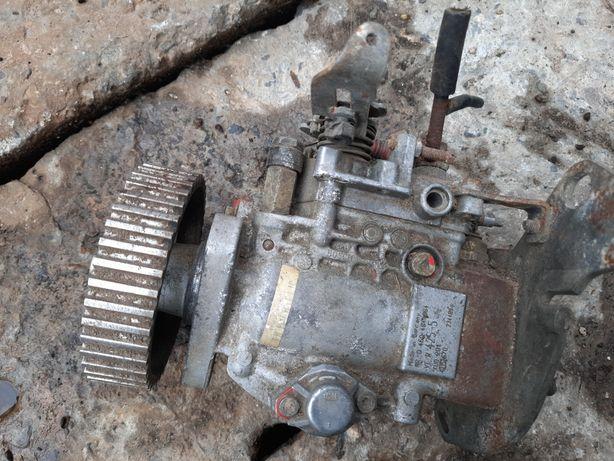 POLONEZ części pompa wtryskowa, próg lewy zewnętrznalternator napinacz