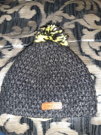 фірмена дитяча шапка тепла