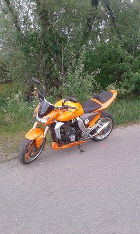 Motor Kawasaki Z1000