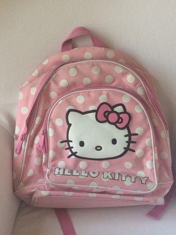 Mochila Hello Kitty para a escola
