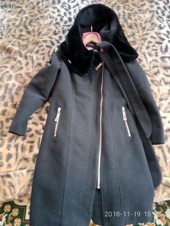 Кашемірове зимове пальто