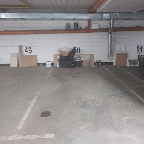 Do wynajęcia 2 miejsca parkingowe w garażu podziemnym ul. Bazyliowa