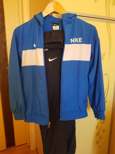 Спортивная форма Nike, оригинал, (куртка, кофта, штаны) 140.