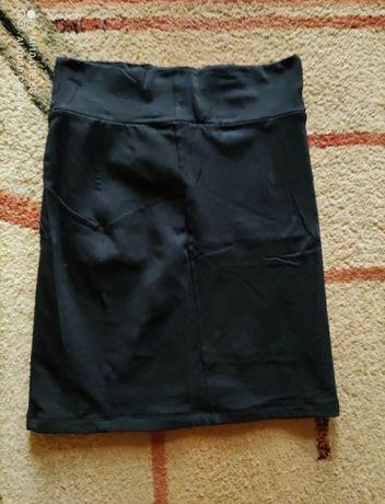 Czarna spódnica tuba