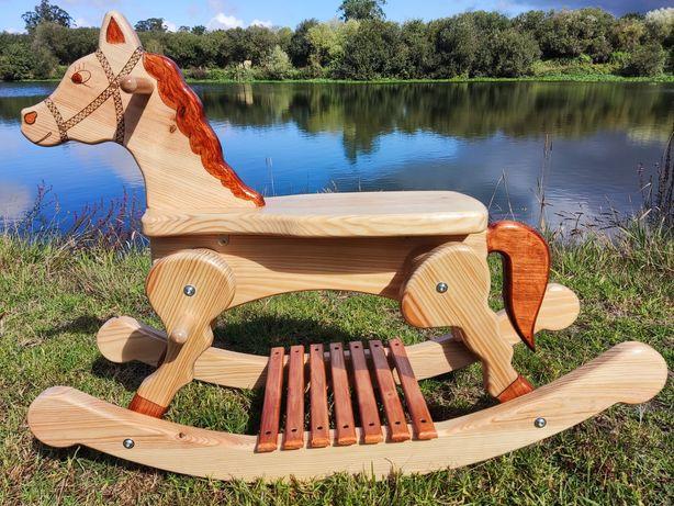 Cavalinho de baloiço