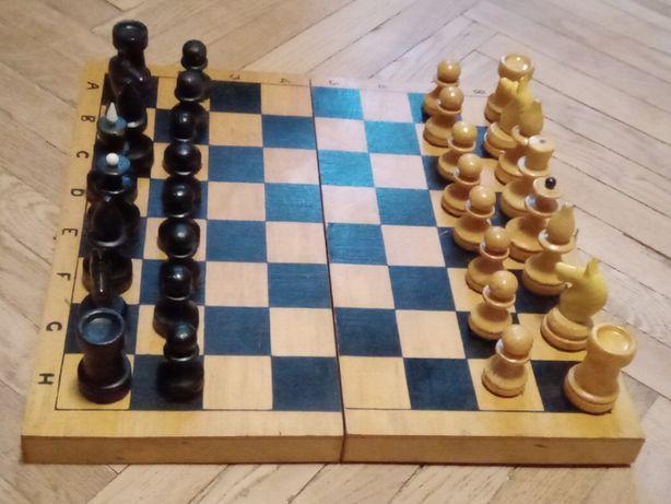Шахматы б/у деревянные 29,5х29,5 см