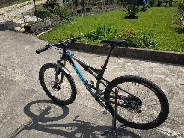 Bicicleta BTT Scott Spark 730; tamanho M; 27,5'