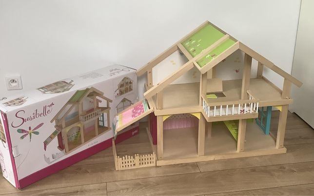 Drewniany Domek dla Lalek z patio GOKI Susibelle