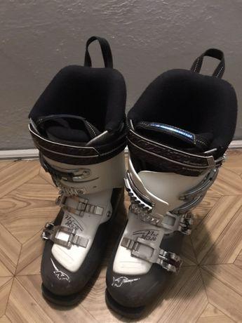 Buty narciarskie Nordica biało-czarne rozmiar 24,5