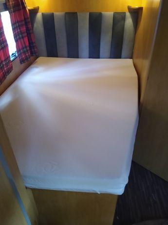 Pokrowiec na materac szyty na miarę Kamper Przyczepa łóżko nakładka