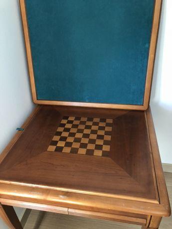 Mesa de jogo em madeira cerejeira.