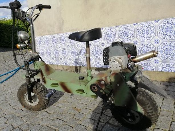 Motinha/trotinete a motor