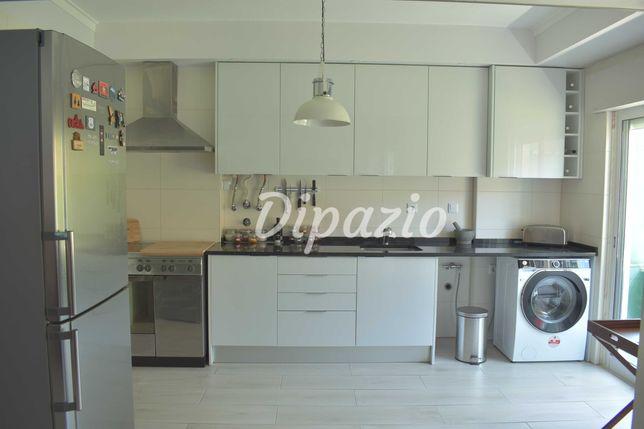 Apartamento T2 Remodelado em Seixal