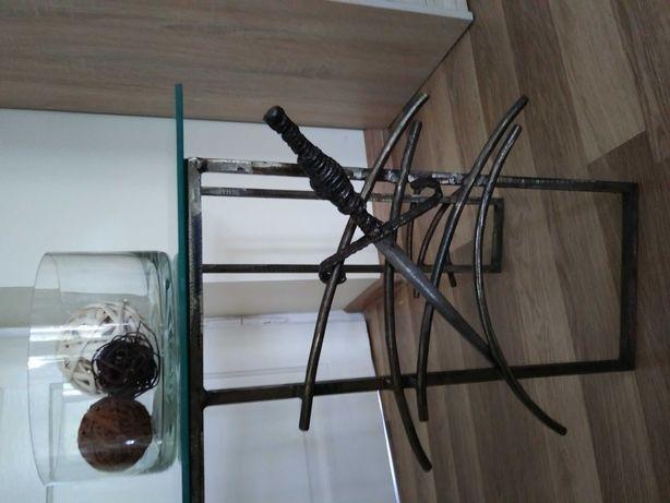 Stolik metalowo - szklany