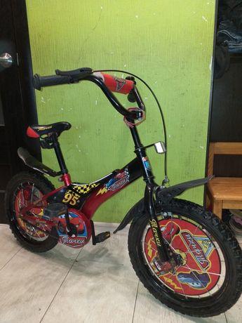Продам детский велосипед на 16 Тачки  дюймов диаметр колёс