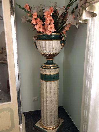 Vende-se coluna com vaso
