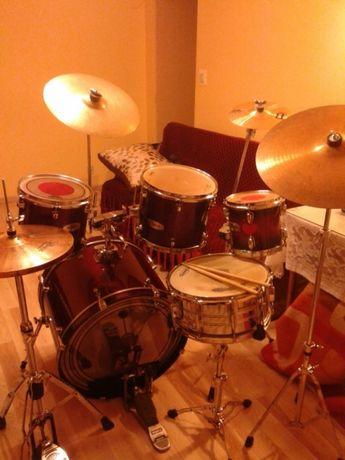 Zestaw perkusyjnyMapex kolor czerwonoczary brokat z pokrowcami komplet