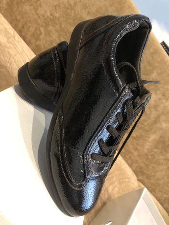 Туфли , кросы , ботинки из натуральной кожи