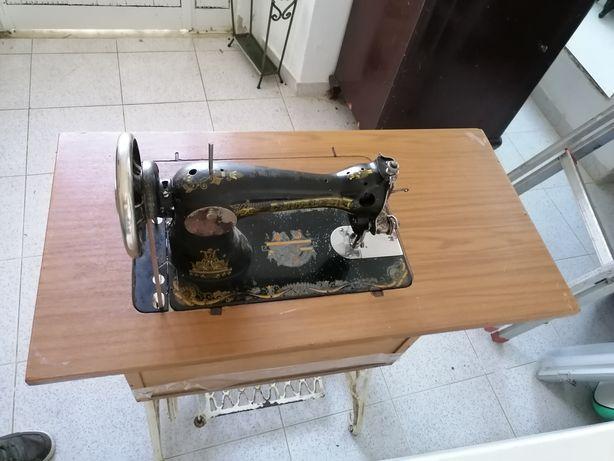 Máquina de costura da singer