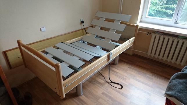 domowe łóżko rehabilitacyjne z nowym materacem podkładowym