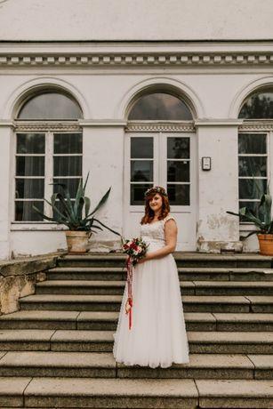 Wyjątkowa suknia ślubna idealna na ciążowy brzuszek