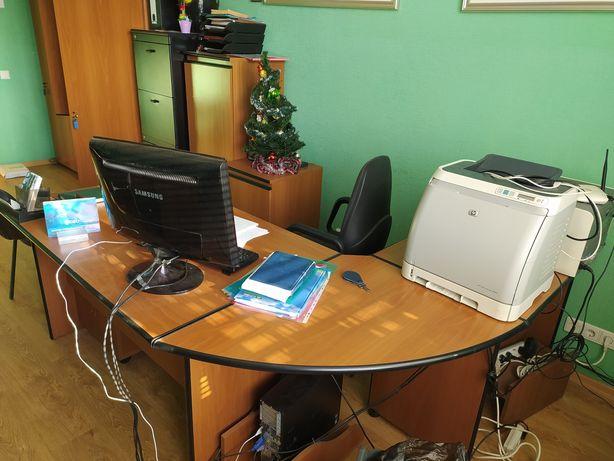 Меблі офісні, шафа, столи, стільці