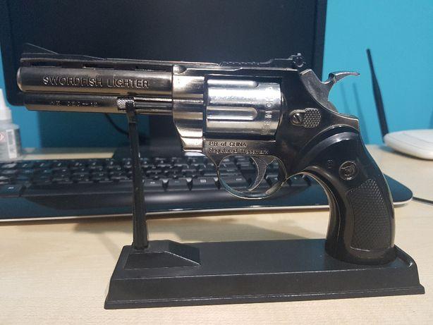 stara zapalniczka broń