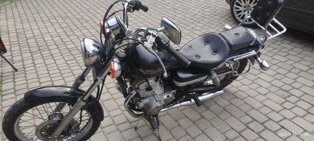 Sprzedam/zamienię Honda rebel 125cc kat B . +Kufer nigdy nie używany