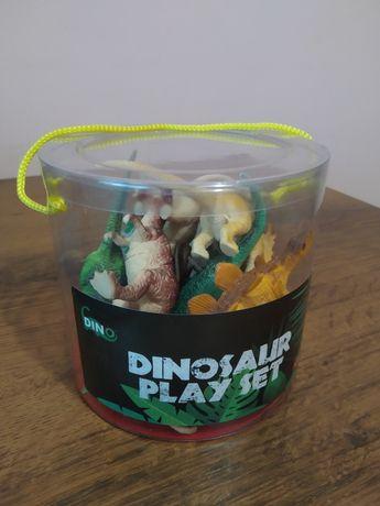 Новий набір іграшкових динозавриків