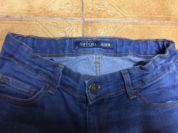 Vendo 2 pares de calças ganga menino 7/8 anos Novas Tiffosi