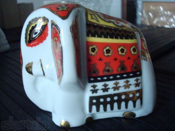 Слоник чайный, фарфоровый.