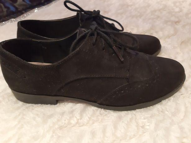 Sapatos primark novos