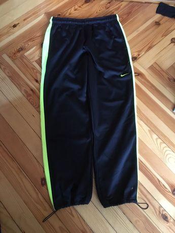 Spodnie nike ocieplane XL