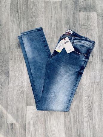 Новые оригинальные штаны Tommy Hilfiger (size32-34) брюки джинсы