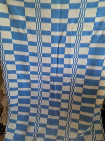 Полушерстяное одеяло