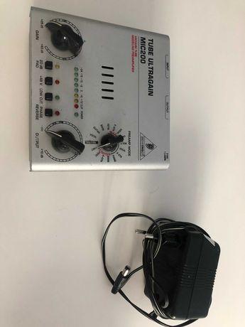 Pré-Amplificador BEHRINGER MIC200
