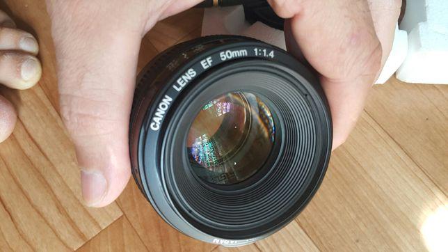 Объектив  Canon 50mm 1.4f
