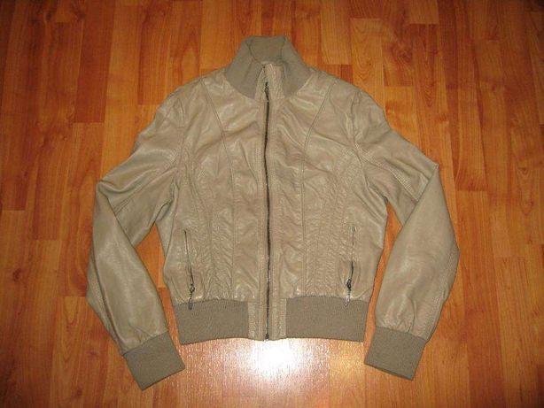 Фірмова куртка з замінника, розмір 36-38, 300 грн.